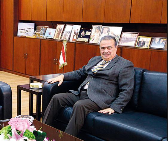 ما سبب إستقالة القاضي أبو غيدا؟