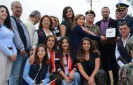 نشاط مميز في جبل لبنان... سلسلة بشرية تزرع أرزة..