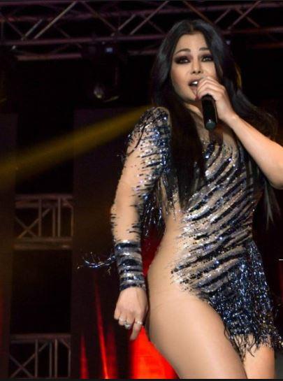 هيفاء وهبي بهجوم على منتقدى فستانها الشفاف:
