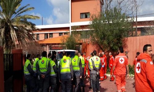 الصليب الاحمر ينقل مرضى مستشفى الفنار بناء لطلب من