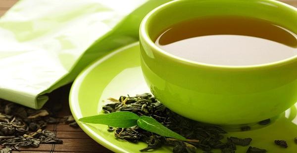 بين الأخضر والأبيض... هل يساعد الشاي على فقدان الوزن؟