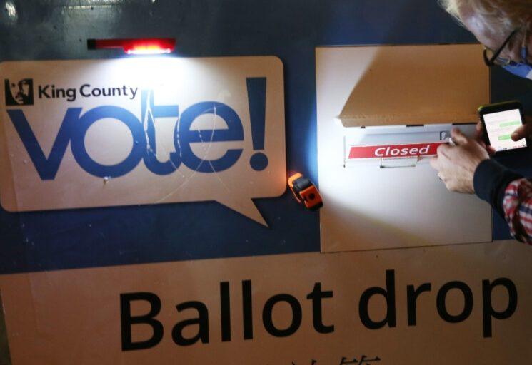 نتائج فرز الأصوات حتى الآن في 5 ولايات أميركية حاسمة